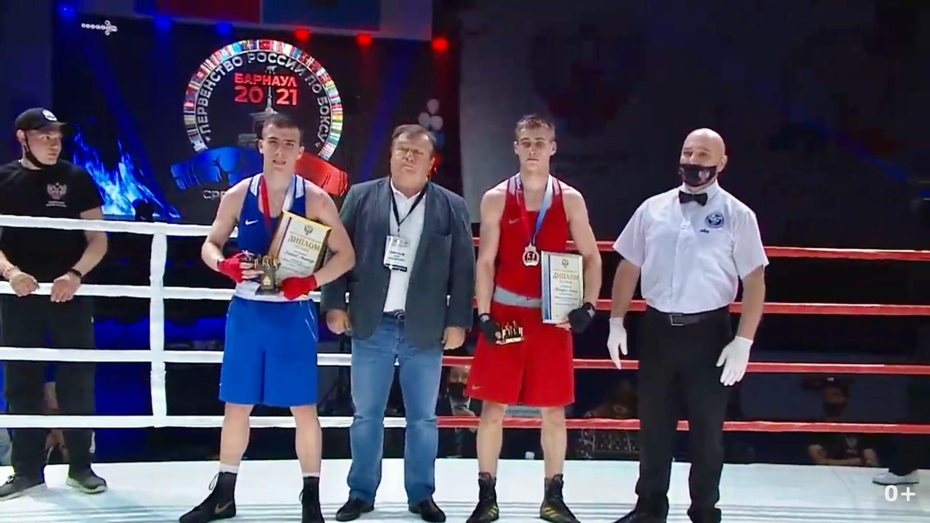В Барнауле завершилось Первенство России по боксу среди юниоров 17-18 лет.