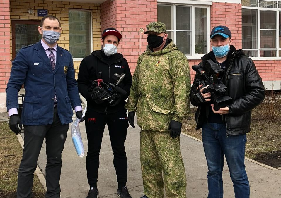 Первая партия масок и антисептических средств доставлена адресатам из Екатеринбурга и Свердловской области.