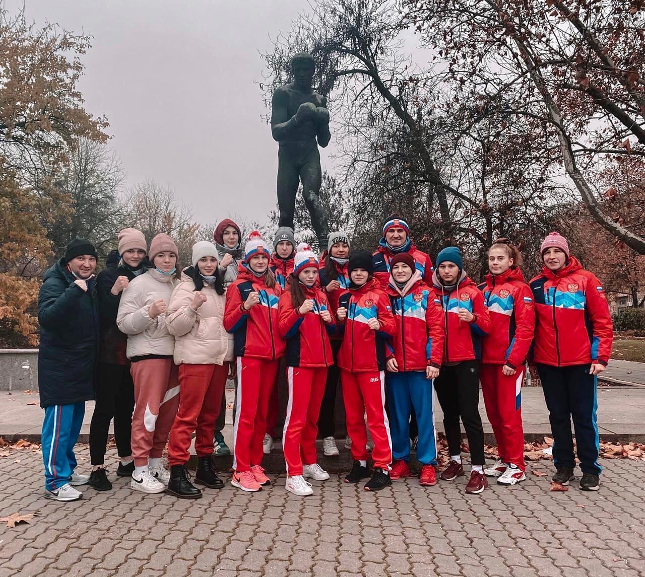 В Софии (Болгария) проходит первенство Европы среди юношей и девушек (15-16 лет)